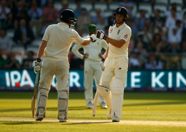 1st Test, Day 3: Jos Buttler, Dom Bess thwart Pakistan's victory bid over England