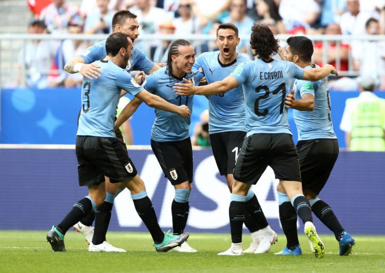 FIFA World Cup 2018: Luis Suarez scores again as Uruguay down hosts Russia 3-0 to top Group A