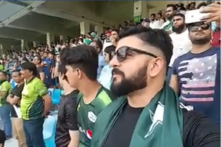 Asia Cup 2018: Pakistani man wins hearts after video of him singing 'Jan Gan Man' becomes an instant hit