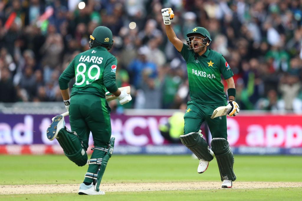 2019 World Cup: Babar Azam hits hundred as Pakistan halt New Zealand's unbeaten run to continue revival