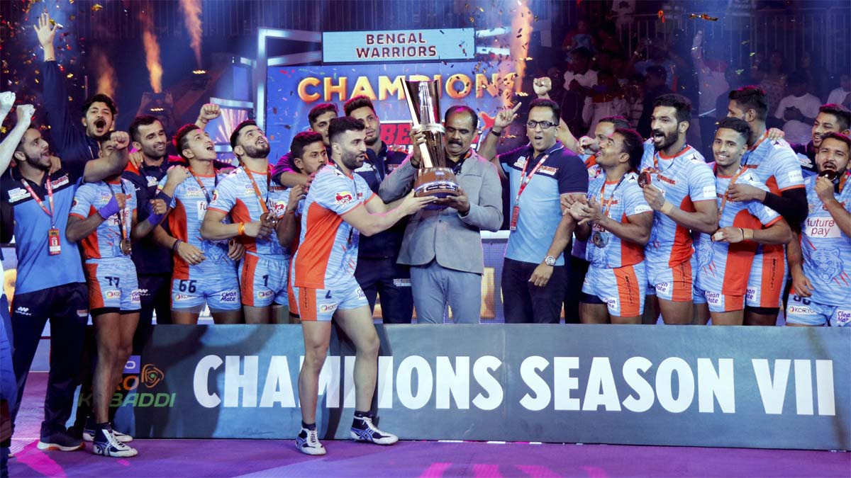 Bengal Warriors beat Dabang Delhi 39-34 to lift maiden PKL title