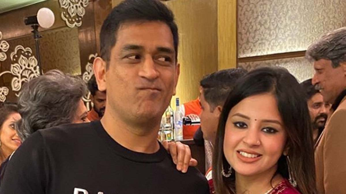 Job was done and message was sent: Sakshi explains deleted tweet on #DhoniRetires