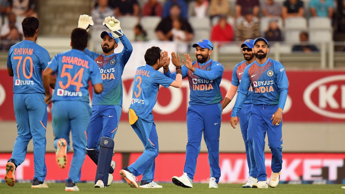 Indian fans pledge to not troll cricketers in social media as #RespectAllCricketersOnTwitter trends