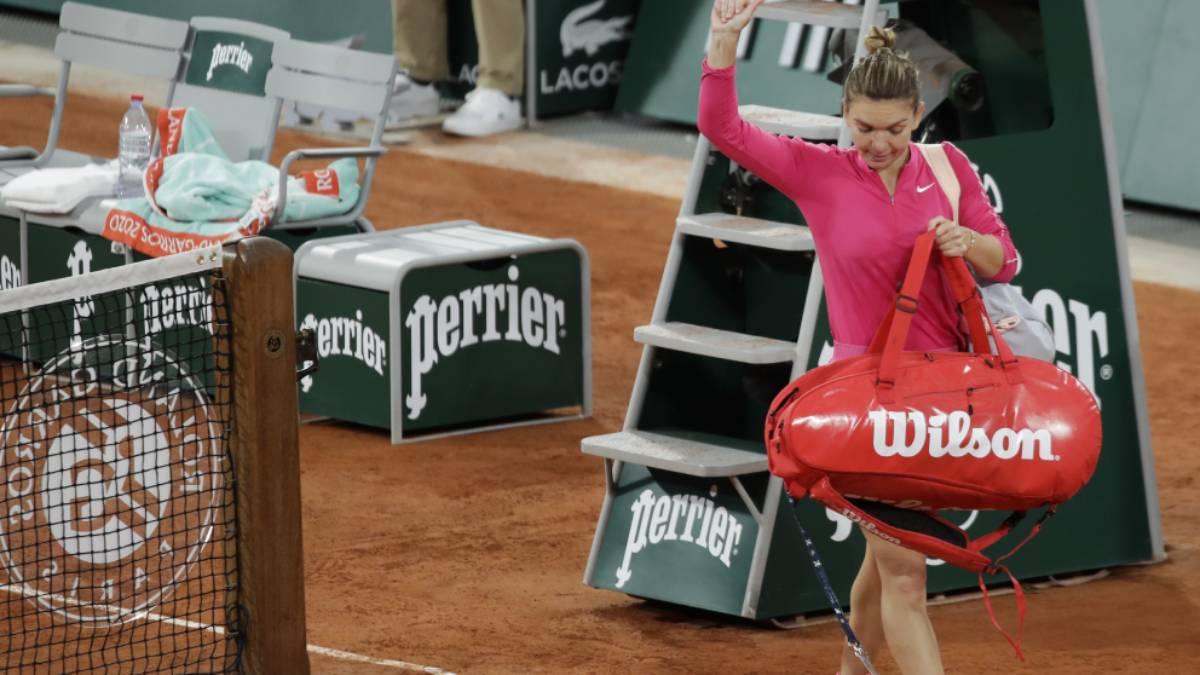 Wimbledon champion Simona Halep tests positive for COVID-19