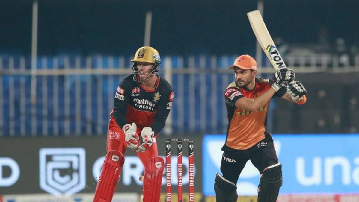 Live Score RCB vs SRH IPL 2020: Manish Pandey falls after half-century stand