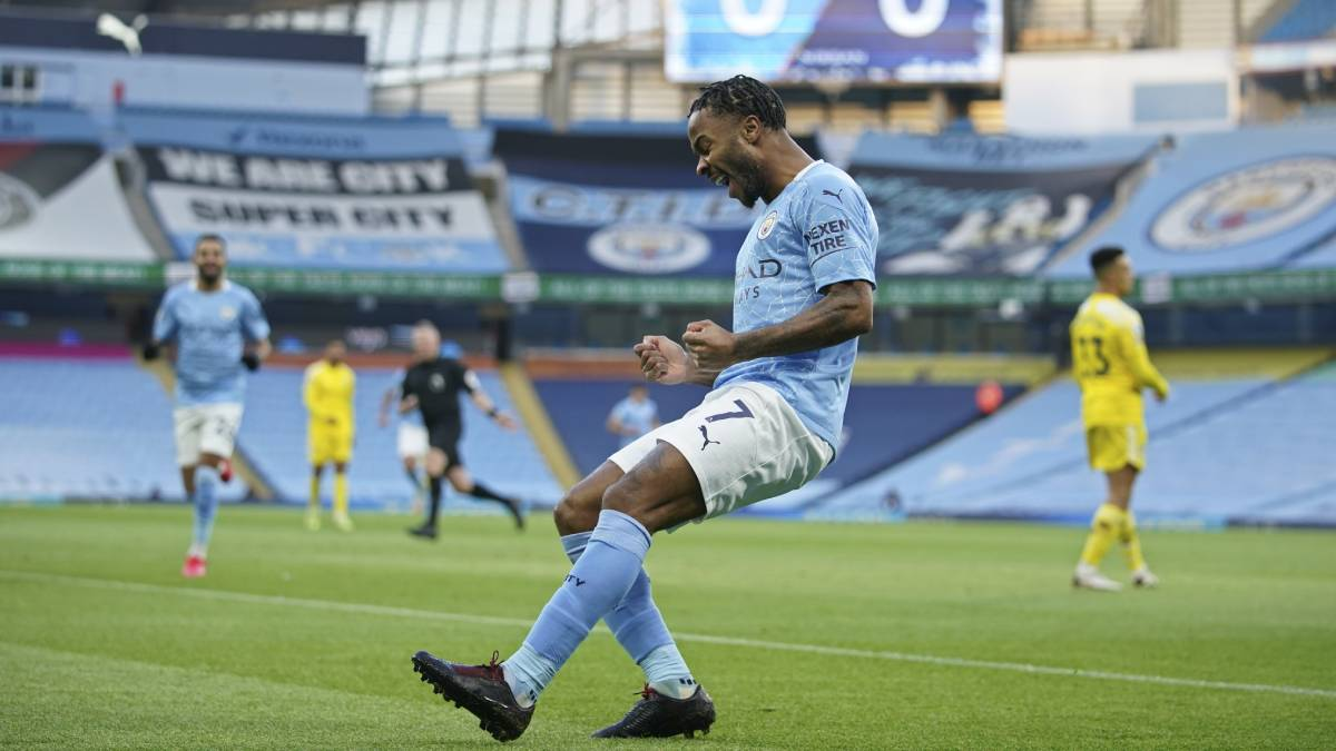 Premier League: Raheem Sterling responds to Pep Guardiola's demands in easy Manchester City win