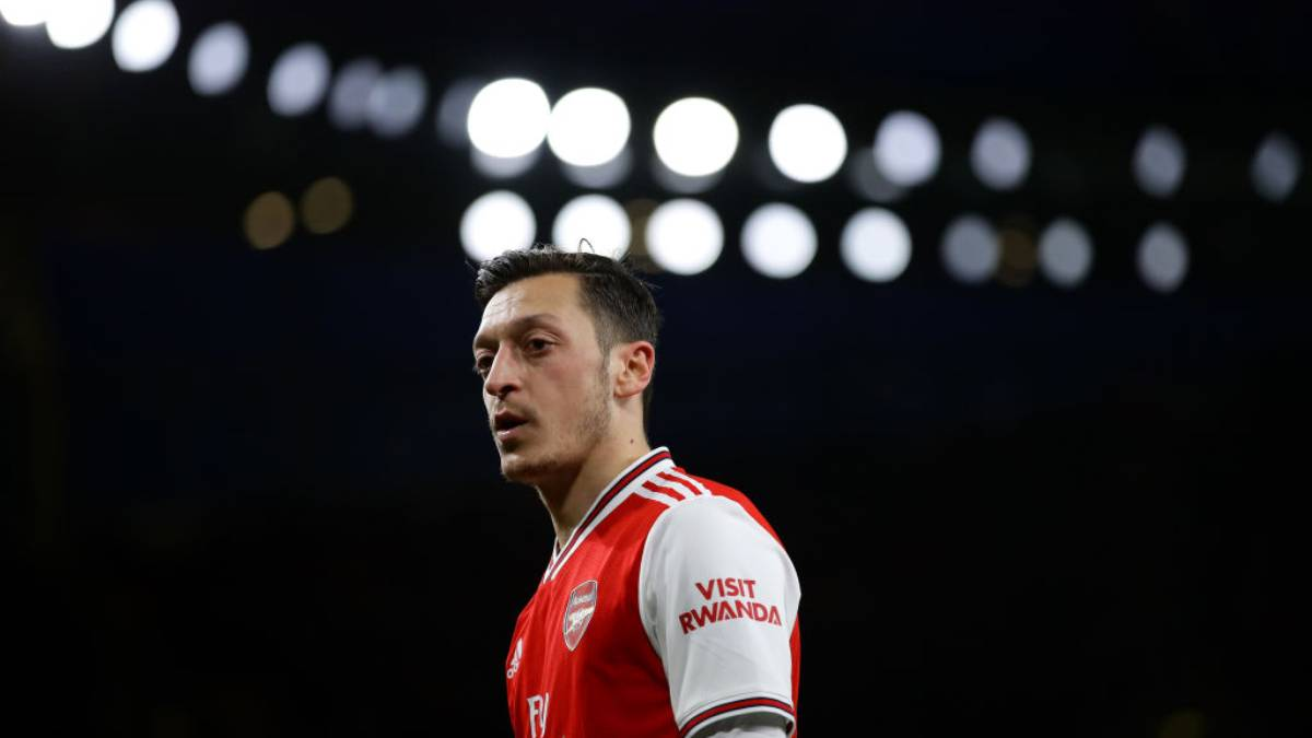 Mesut Ozil leaves Arsenal with 'no grudges'
