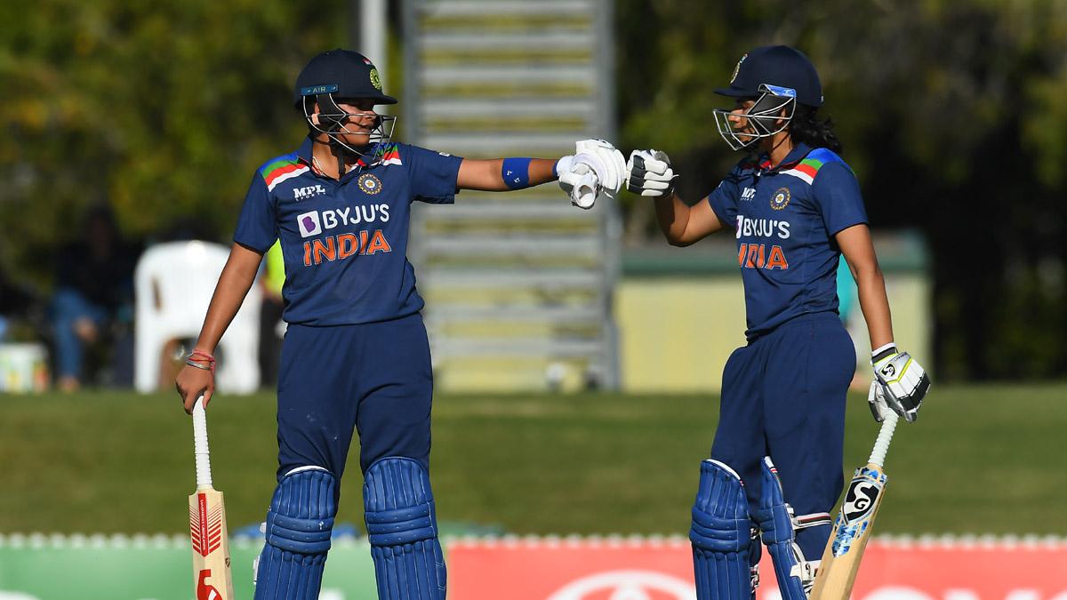 AUS W v IND W: India end Australia's record ODI winning streak; win by 2 wickets in final game